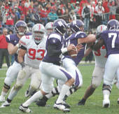 Nadar Abdallah zeroes in on Northwestern QB Mike Kafka November 8, 2008 (Photo: Steve Helwagen, Bucknuts