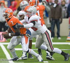 OSU safety/linebacker Tyler Moeller makes a play on Illinjois QB Juice Williams 11/15/08. (Photo: Dan Harker, The Ozone)